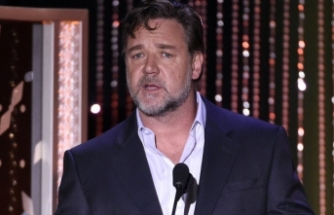 Russell Crowe'dan yeni film: Poker Face